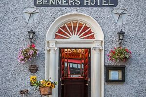 Mrs Benner's Bar, Dingle
