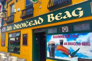 An Droichead Beag Bar, Dingle