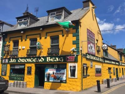 An Droichead Beag Bar, Dingle